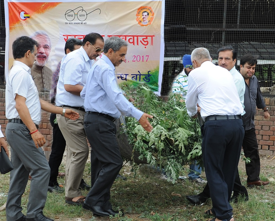 बीबीएमबी ने गौशाला, सैक्टर-45 चण्डीगढ़ में स्वच्छता अभियान का संचालन किया