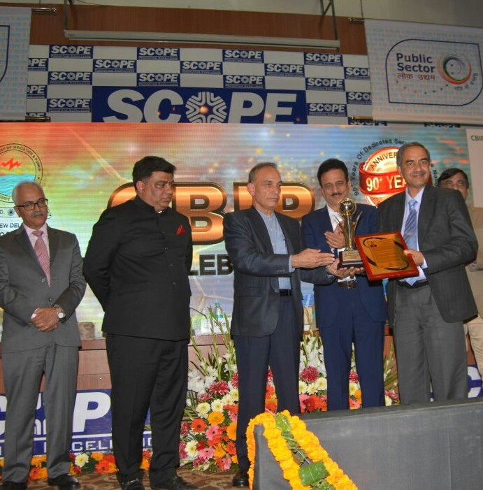 """Shri D.K.Sharma Chairman BBMB conferred with """"National Level Award For Special Recognition & Contribution to the Indian Water & Power Sectors""""on 03.01.2018."""
